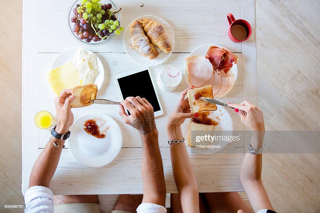 Above view of couple having breakfast : Foto de stock