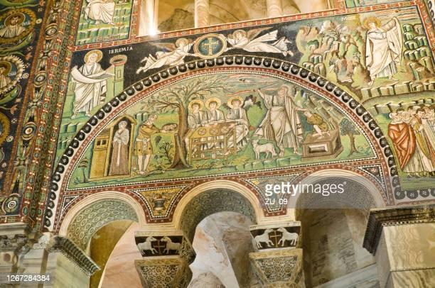 イサクの犠牲、モザイク(6世紀)、サンヴィターレ、ラヴェンナ、イタリア - ラヴェンナ ストックフォトと画像