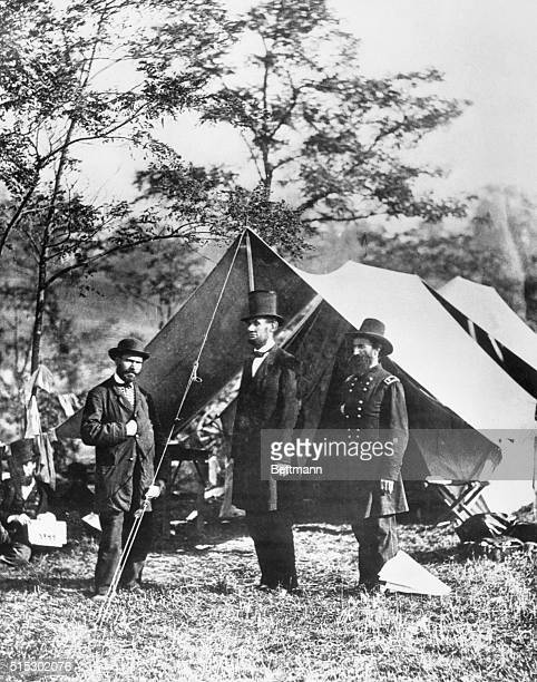 Abraham Lincoln looks over the camp of General John Alexander McClernand commander of the Army of the Potomac On the left is the President's...