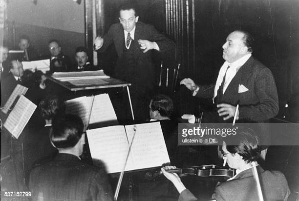 Abraham Paul Composer Hungary during a rehearsal for the premiere of his operetta 'Ball im Savoy' in the Großes Schauspielhaus Berlin PA is...