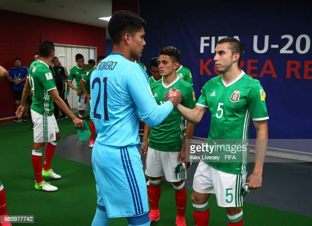 Abraham Romero and Manuel Mayorga of Mexico shake hands in the tunnel prior to the FIFA U20 World Cup Korea Republic 2017 group B match between of...
