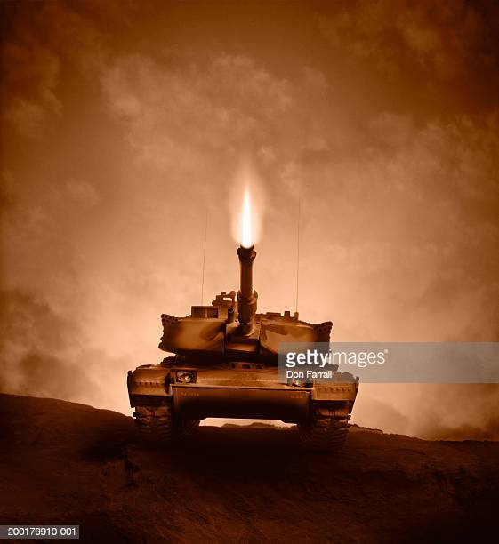 m1 abrams main battle tank model - m1 abrams stock pictures, royalty-free photos & images