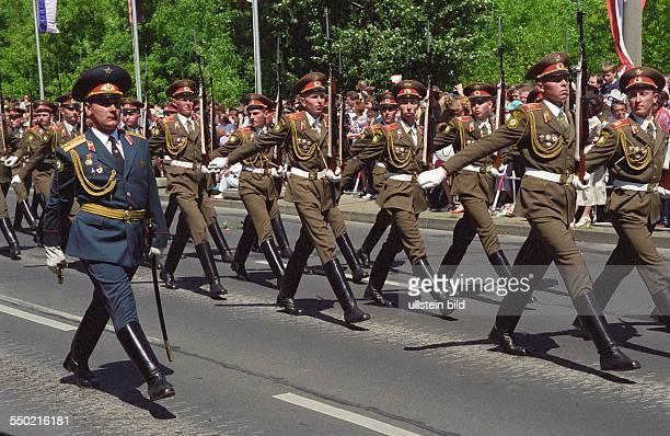 Abschiedsparade der russischen Streitkräfte in Berlin Schöneweide