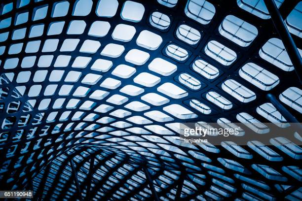 abstract ceiling of modern architecture - glas materiaal stockfoto's en -beelden
