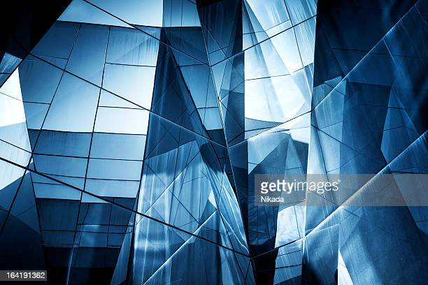 abstract glass architecture - wolkenkrabber stockfoto's en -beelden