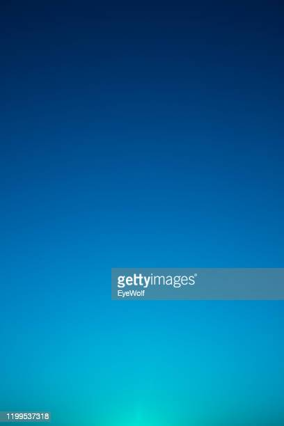 abstract gradient from cyan to dark blue - blu foto e immagini stock