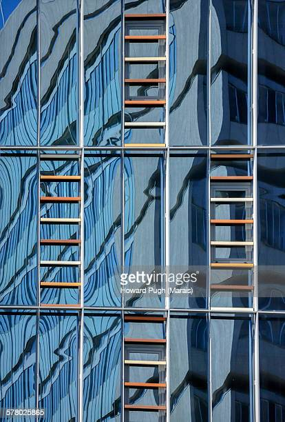 Abstract Ladder Reflections