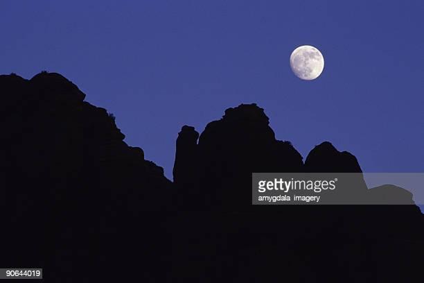 moonrise abstrato silhueta paisagem - oak creek canyon - fotografias e filmes do acervo