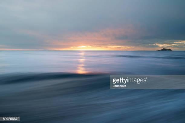 abstrakte meer und himmel hintergrund - meerlandschaft stock-fotos und bilder
