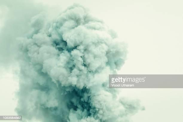 abstract smoke on white background,bomb smoke background - oorlog stockfoto's en -beelden