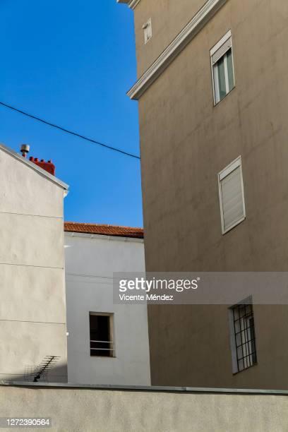 abstract urban composition - vicente méndez fotografías e imágenes de stock