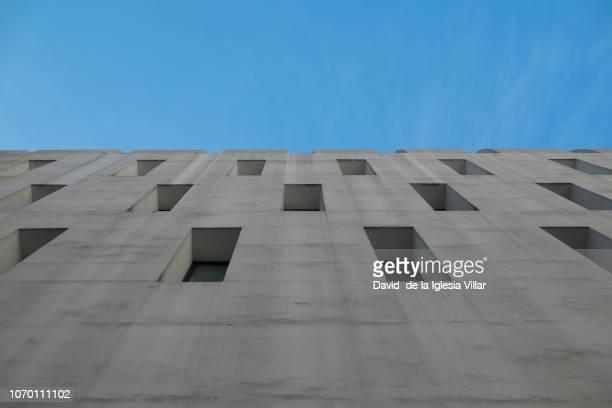 abstract weird windows building - アラバ県 ストックフォトと画像