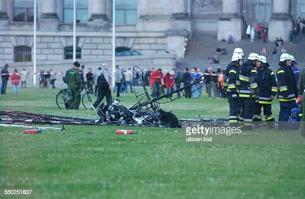 Absturz eines Kleinflugzeugs vor dem Berliner Reichstag