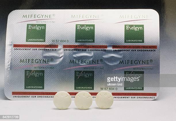 Abtreibung: Blister-Packung und Tabletten des Arzneimittels. Aufgenommen 1999.