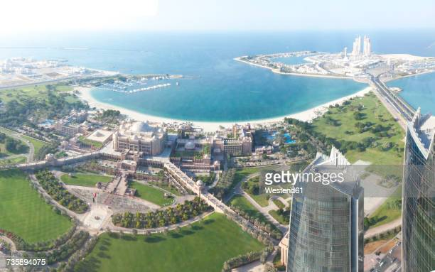 UAE, Abu Dhabi, Emirates Palace Hotel at the waterfront