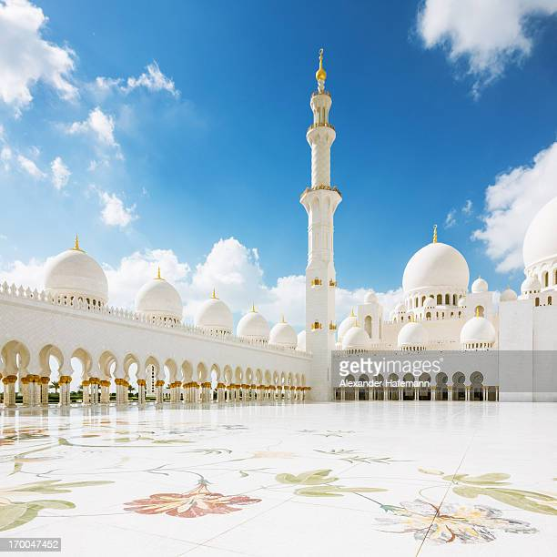 abu dhabi mosque - sheikh zayed mosque stock pictures, royalty-free photos & images