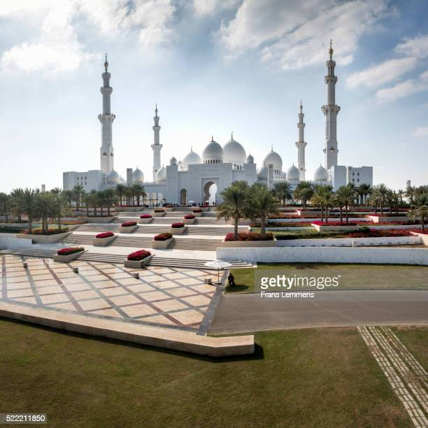 abu dhabi, sheikh zayed grand mosque - image stock pictures, royalty-free photos & images