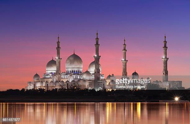 abu dhabi, the sheikh zayed grand mosque - mosque stock pictures, royalty-free photos & images