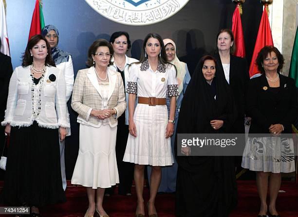 Abu Dhabi, UNITED ARAB EMIRATES: First ladies of the Arab world Leila Zine el-Abidine of Tunisia, Suzanne Mubarak of Egypt, Queen Rania of Jordan,...
