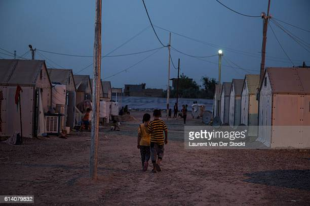 Abu Graïb Anbar Iraq May 14th 2016'nSome 200 sunni families left Anbar areas under the cantle of IS'nPhoto Laurent Van der Stockt / Reportage by Getty