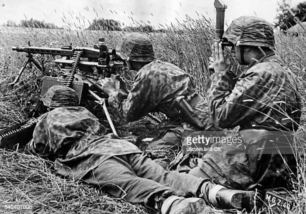 Abwehrkämpfe an der Ostfront Maschinengewehrstellung der WaffenSSAugust 1944