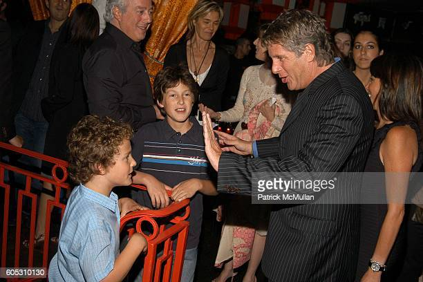 Aby Rosen Charlie Rosen Gaby Rosen Donny Deutsch and Amanda Zacharia attend ABY ROSEN Birthday Celebration at Chinatown Brasserie on May 15 2006 in...