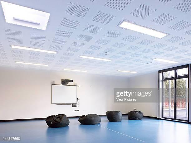 Acacia Intergenerational Activity Centre Grove Road LondonUnited Kingdom Architect C U R L L A T O U R E L L E A R C H I T E C T S Fitness Room/ Gym...