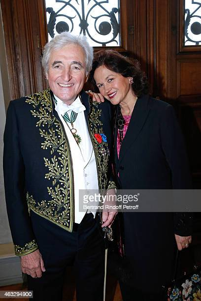Academician Jean-Loup Dabadie with his wife Veronique Dabadie attend Xavier Darcos becomes a Member of the Academie Francaise : Official Ceremony at...
