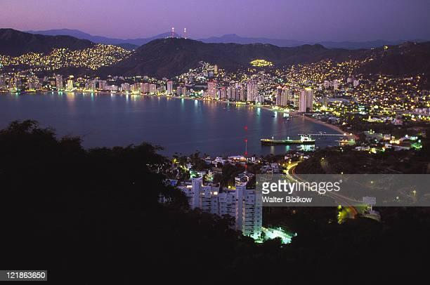 acapulco bay, acapulco, mexico - acapulco foto e immagini stock