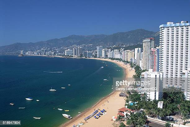 acapulco beach, mexico - アカプルコ ストックフォトと画像