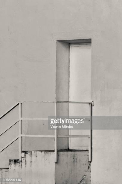 access door with ladder - vicente méndez fotografías e imágenes de stock