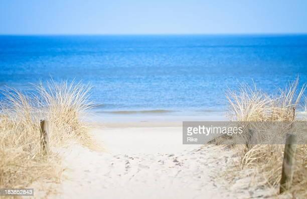 Zugang zu einem ruhigen Strand