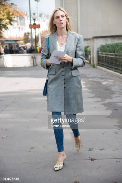 Accessoires Director at Vogue US Selby Drummond wears a Sara Battaglia jacket Casadei shoes and Celine bag day 5 of Paris Womens Fashion Week...