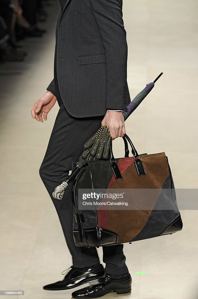 Burberry Prorsum - Mens Fall Winter 2012 Runway - Milan Menswear Fashion  Week   News Photo d546600941d01