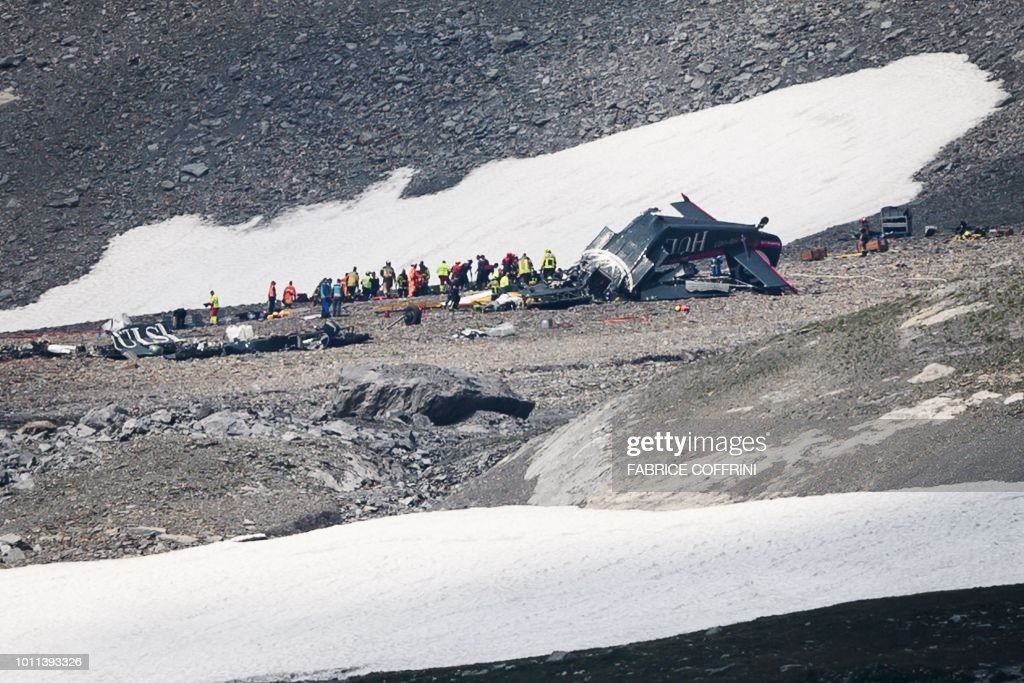 TOPSHOT-SWITZERLAND-PLANE-ACCIDENT : News Photo