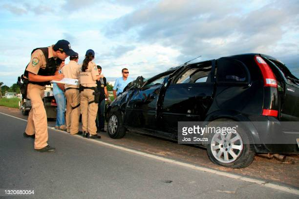 連邦高速道路での事故 - 連邦警察 ストックフォトと画像