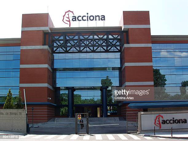 Acciona SA is a Spanish conglomerate group dedicated to civil engineering construction and infrastructures Headquarter in Alcobendas Madrid Junio 2007