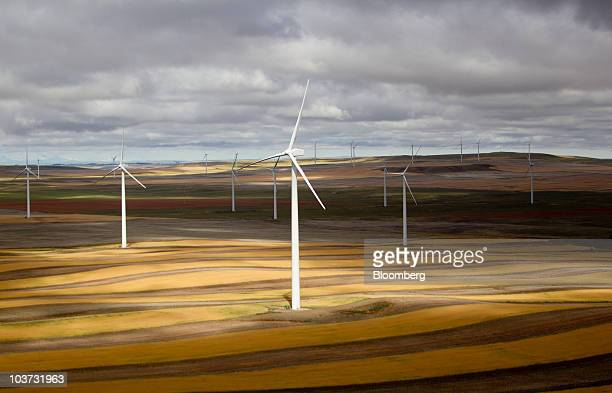 Acciona wind turbines operate at the NaturEner USA LLC Glacier wind energy farm in Ethridge Montana US on Monday Aug 30 2010 Acciona SA the world's...