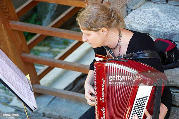 accordionist - accordionist stock pictures, royalty-free photos & images