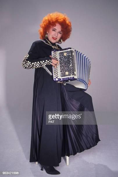 L'accordéoniste Yvette Horner en studio en décembre 1990 à Paris France