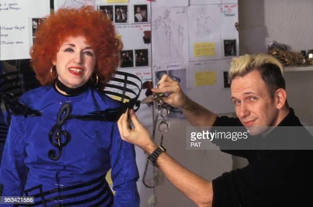 L'accordéoniste Yvette Horner habillée par Jean Paul Gaultier en décembre 1990 à Paris France