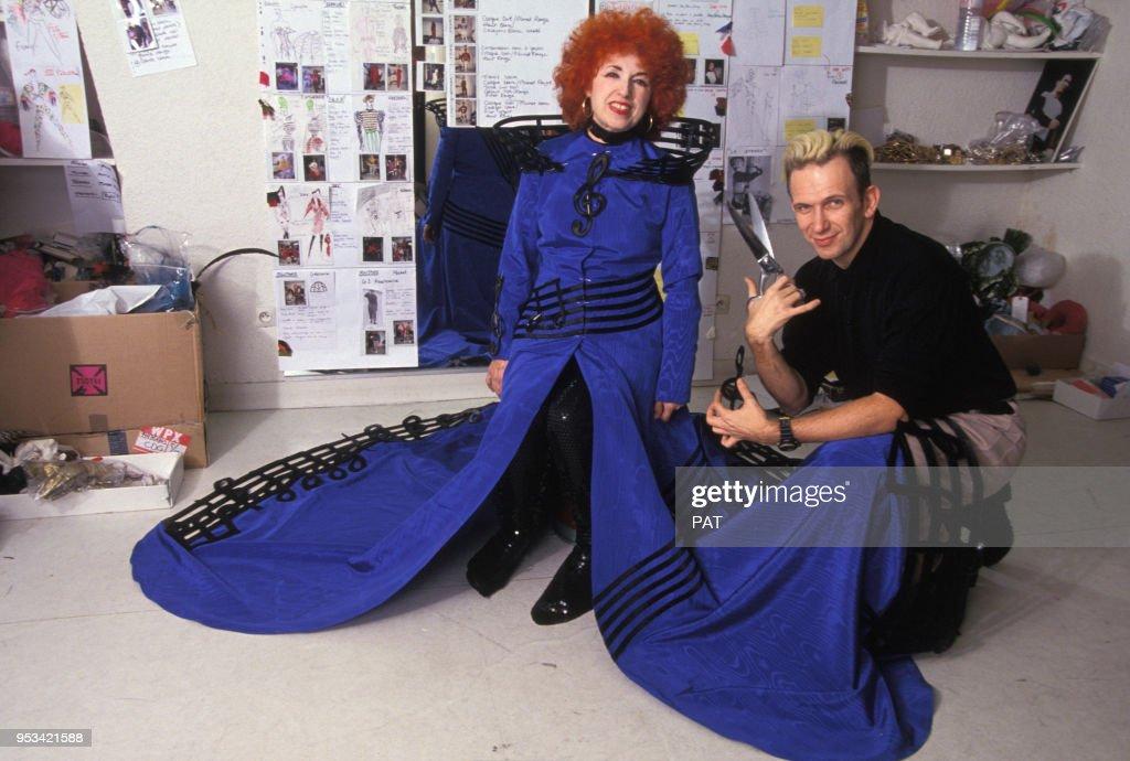 Yvette Horner et Jean Paul Gaultier en 1990 : Photo d'actualité