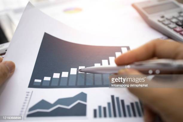 accounting,investment analysis - return on investment stock pictures, royalty-free photos & images
