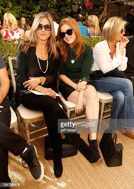Acctors Jennifer Aniston and Isla Fisher attend CFDA/Vogue Fashion Fund Event hosted by Lisa Love and Mark Holgate and sponsored by Audi Beautycom...