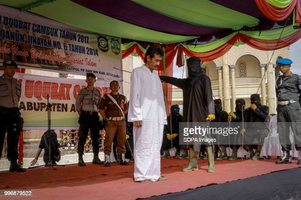 BARAT MEULABOH ACEH INDONESIA Aceh man being whipped in public 18 people were convicted by the Meulaboh Sharia Court of different crimes and flogged...