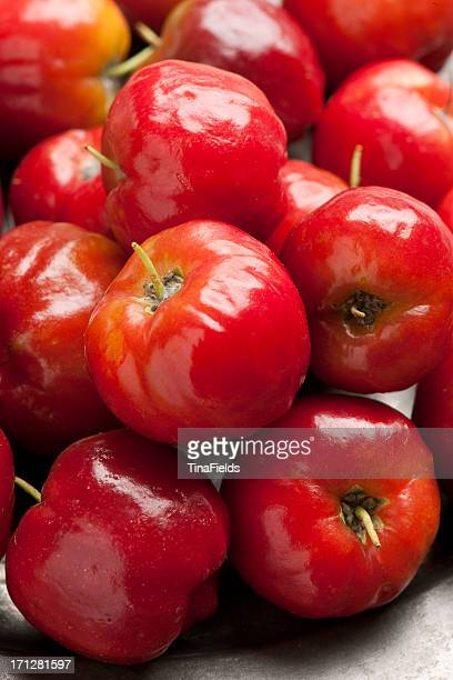 Acerola cherry Obst