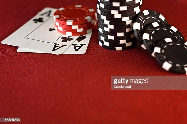 Aces, Casino Chips, Red Pokertisch