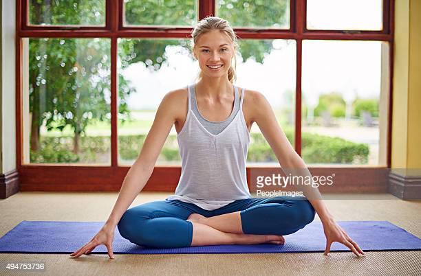 Raggiungimento di salute e felicità per lo yoga
