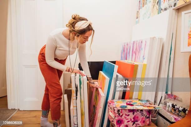 realizzazione di dipinti - arte, cultura e spettacolo foto e immagini stock