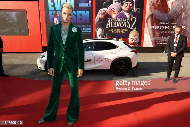 """Achille Lauro arrives on the red carpet ahead of the """"Anni Da Cane"""" screening during the 16th Rome Film Fest on October 19, 2021 in Rome, Italy."""